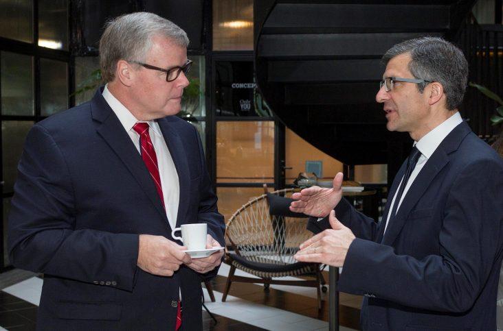 Douglas Scheckelhoff (Vicepresidente ASHP) y Miguel Ángel Calleja (Presidente SEFH)